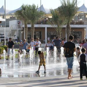Yas Marina Musical Water Fountain 10