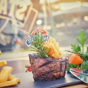 Yas Marina Stars 'N' Bars 3